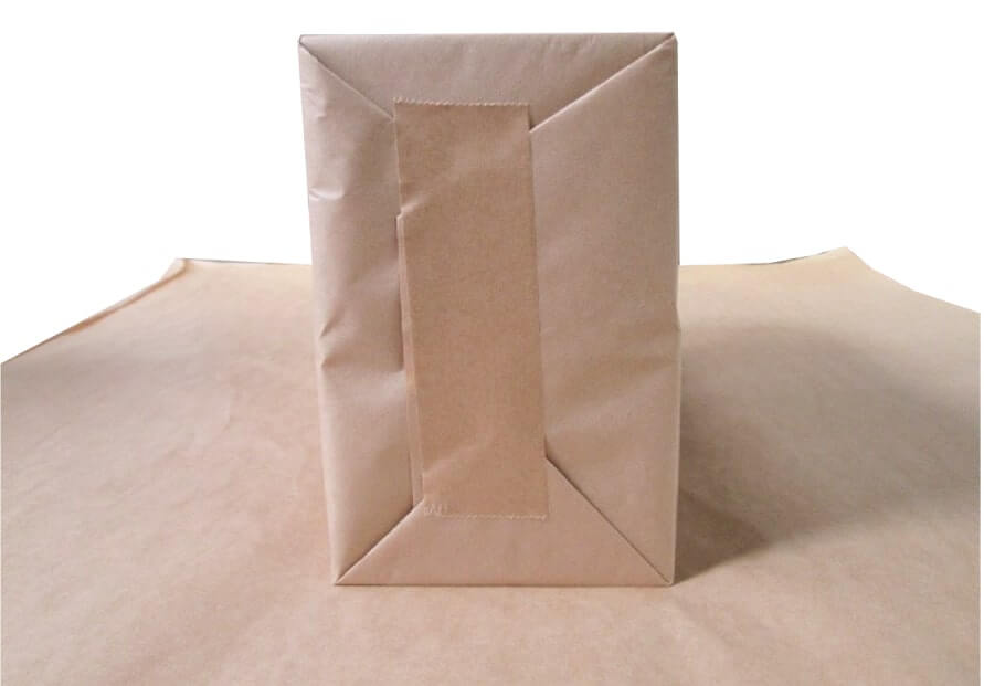 汚れないように、クラフト包装紙でしっかり梱包しております。